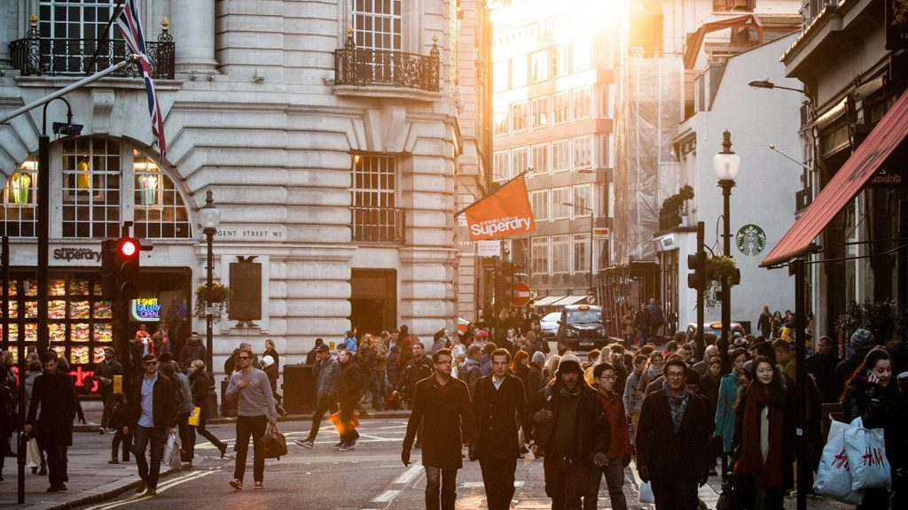 No personalised customer advice is the biggest barrier to online shopping